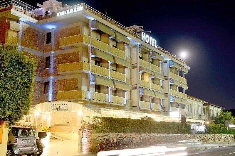 Pauschalreise Hotel Italien,     Toskana - Toskanische Küste,     Esplanade in Marina di Pietrasanta