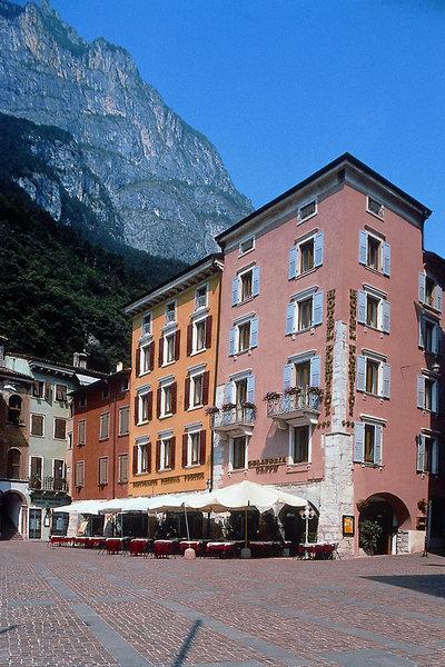 Pauschalreise Hotel Italien,     Gardasee & Oberitalienische Seen,     Hotel Portici in Riva del Garda
