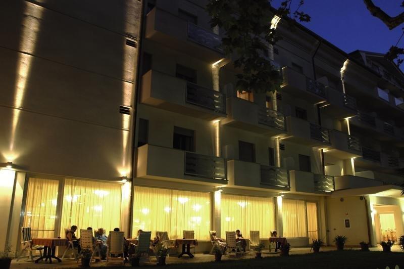 Pauschalreise Hotel Italien,     Italienische Adria,     Hotel Roma in Cervia