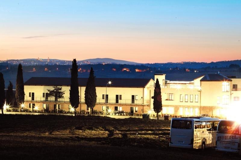 Pauschalreise Hotel Italien,     Toskana - Toskanische Küste,     Montaperti Hotel Siena in Asciano