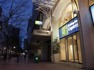 Billige Flüge nach Kapstadt (Südafrika) & Holiday Inn Express Cape Town City Centre in Kapstadt