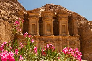 Billige Flüge nach Amman & Petra Palace Hotel in Petra