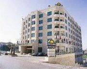 Billige Flüge nach Amman & Days Inn Hotel  Suites Amman in Amman