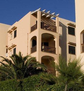 Apartamentos Playa Ferrera in Cala Ferrera (Spanien) mit Flug ab Friedrichshafen