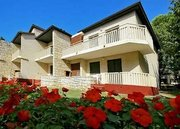 Billige Flüge nach Pula (Kroatien) & Polynesia Apartments in Umag