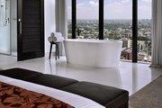 Sri Lanka,     Sri Lanka,     Mövenpick Hotel Colombo in Colombo  ab Saarbrücken SCN