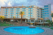 Billige Flüge nach Windhoek (Namibia) & Safari Court Hotel in Windhoek