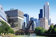 Billige Flüge nach Chicago & Holiday Inn Mart Plaza in Chicago