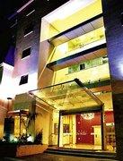 Billige Flüge nach Beirut & Golden Tulip Hotel De Ville in Beirut