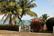 Billige Flüge nach Tobago & Tropikist Beach in Crown Point