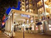 Billige Flüge nach Kapstadt (Südafrika) & Radisson Blu Le Vendome Hotel in Kapstadt