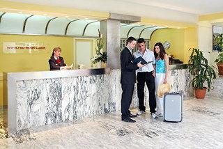 Pauschalreise Hotel Spanien, Mallorca, Roc Portonova Apartments in Palma Nova  ab Flughafen Amsterdam