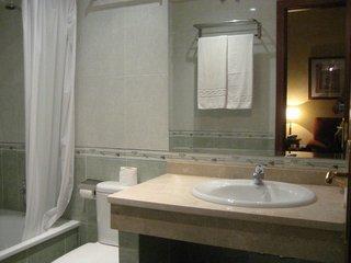 Pauschalreise Hotel Spanien, Costa del Sol, Don Juan in Manilva  ab Flughafen Berlin-Tegel