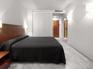 Pauschalreise Hotel Spanien, Barcelona & Umgebung, Onix Fira in Barcelona  ab Flughafen Berlin-Schönefeld