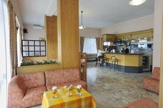 Pauschalreise Hotel Gardasee & Oberitalienische Seen, Hotel Aries in Lesa  ab Flughafen