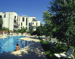 Pauschalreise Hotel Italien, Gardasee & Oberitalienische Seen, Bristol in Riva del Garda  ab Flughafen