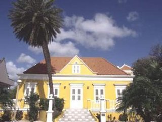 Pauschalreise Hotel Curaçao, Curacao, Veneto Casino - The Holiday Beach Resort in Willemstad  ab Flughafen Berlin-Tegel