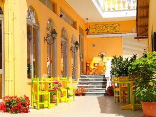 Pauschalreise Hotel Griechenland,     Korfu,     Bella Vista Beach Hotel & Studios in Benitses (Korfu)