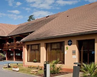 Pauschalreise Hotel Frankreich, Normandie, Hotel Kyriad Lisieux in Lisieux  ab Flughafen Berlin-Schönefeld