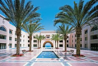 Luxus Hideaway Hotel Oman, Oman, Shangri-La Al Husn Resort & Spa in Muscat  ab Flughafen Bremen