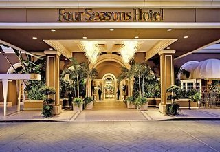 Luxus Hideaway Hotel USA, Kalifornien, Four Seasons Hotel Los Angeles at Beverly Hills in Los Angeles  ab Flughafen Friedrichshafen