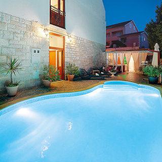 Pauschalreise Hotel Kroatien, Kroatien - weitere Angebote, Villa Adriatica in Supetar  ab Flughafen Düsseldorf