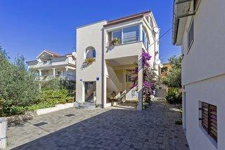 Pauschalreise Hotel Kroatien, Kroatien - weitere Angebote, Villa Damir in Petrcane  ab Flughafen Düsseldorf