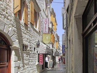 Pauschalreise Hotel Kroatien, Kroatien - weitere Angebote, Hotel Monika in Trogir  ab Flughafen Düsseldorf