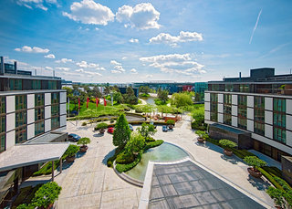 Luxus Hideaway Hotel Deutschland, Niedersachsen, The Ritz-Carlton Wolfsburg in Wolfsburg  ab Flughafen Österreich