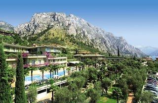 Pauschalreise Hotel Italien, Gardasee & Oberitalienische Seen, Royal Village in Limone sul Garda  ab Flughafen Basel