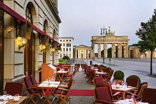 Luxus Hideaway Hotel Deutschland, Berlin, Brandenburg, Hotel Adlon Kempinski Berlin in Berlin  ab Flughafen Bremen
