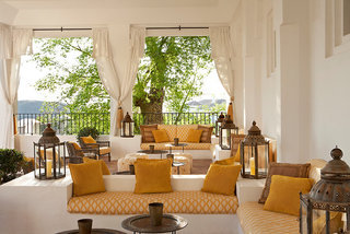 Luxus Hideaway Hotel Spanien, Costa del Sol, Finca Cortesín Hotel, Golf & Spa in Casares  ab Flughafen Erfurt