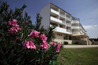 Pauschalreise Hotel Kroatien, Kroatien - weitere Angebote, Hotel Alba in Sveti Filip i Jakov  ab Flughafen Bremen