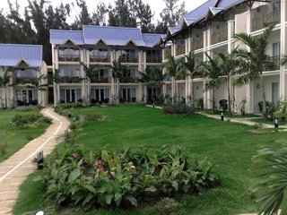 Pauschalreise Hotel Mauritius, Mauritius - weitere Angebote, Pearle Beach Resort & Spa in Flic en Flac  ab Flughafen Berlin-Schönefeld