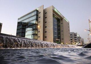 Pauschalreise Hotel Vereinigte Arabische Emirate, Dubai, Hotel ibis Styles Dubai Jumeira in Dubai  ab Flughafen Berlin-Tegel