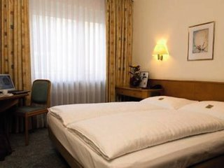 Pauschalreise Hotel Deutschland, Städte West, Favored Hotel Domicil Frankfurt in Frankfurt am Main  ab Flughafen Amsterdam