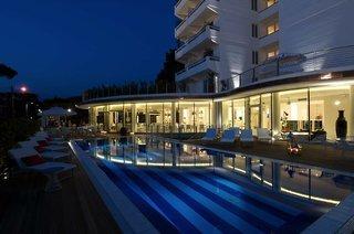 Pauschalreise Hotel Italien, Toskana - Toskanische Küste, Mondial in Marina di Pietrasanta  ab Flughafen Bruessel