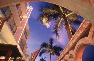 Pauschalreise Hotel USA, Florida -  Ostküste, Crest Hotel Suites in Miami Beach  ab Flughafen Amsterdam