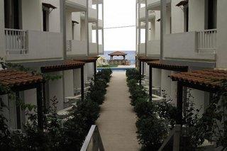 Hotel Ekavi Beach