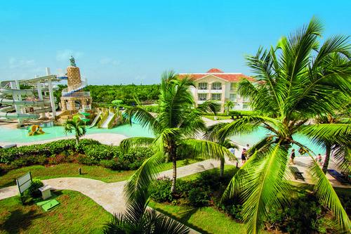 Im Weare Cadaques Bayahibe trifft mediterranes Flair auf karibische Lebensfreude. Genießen Sie Ihren Urlaub in der im spanischen Stil ...