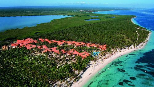 Inmitten einer tropischen Gartenanlage liegt das ökologisch geführte Hotel Natura Park. Über verschlungene Wege erreichen Sie entlang von ...