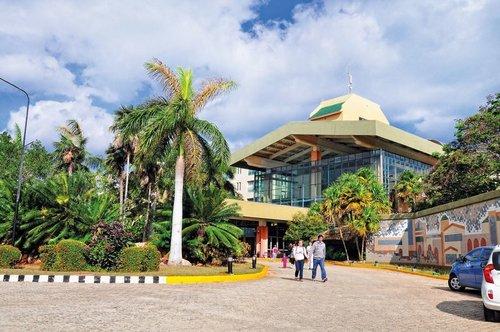 Das Hotelresort hat eine schöne weitläufige Gartenanlage das zum Entspannen und Erholen einlädt und bietet viele Aktivitäten für Familie und ...