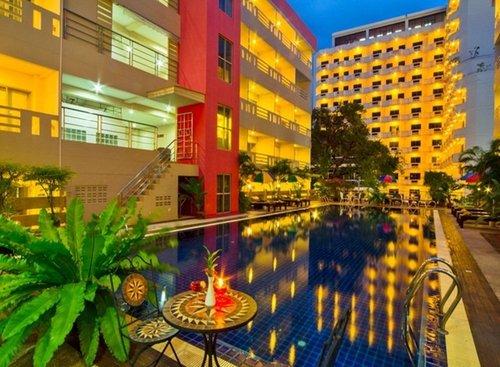 Lage: Das Stadthotel befindet sich im Zentrum von Pattaya und liegt ca. 500 m vom Strand entfernt. Bars, Restaurants und Einkaufsmöglichkeiten ...