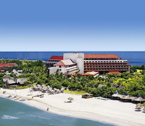Direkt am langen und flach abfallenden Strand von Varadero. Das Zentrum von Varadero mit seinen zahlreichen Einkaufs- und ...