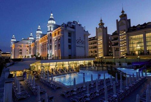 In der Ferienregion Evrenseki gelegen, ca. 240 m vom hoteleigenen Sand-/Kiesstrand entfernt. Einkaufs- und Unterhaltungsmöglichkeiten befinden ...