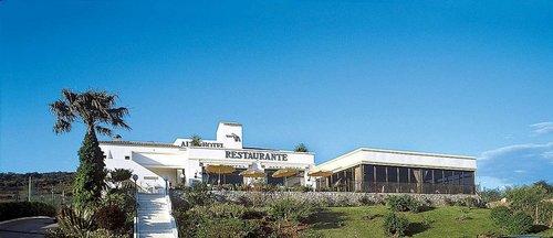 Hotel Alte: Hier genießen Sie einen entspannten Urlaub fernab des Trubels der Küste: In den westlichen Ausläufern der Serra do Caldeirão, etwa ...