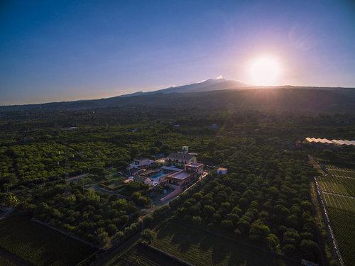 Lage: Ort Fiumefreddo Lage & Umgebung Das Hotel befindet sich in Fiumefreddo di Sicilia. Wenige Kilometer von der Anlage entfernt befinden sich ...