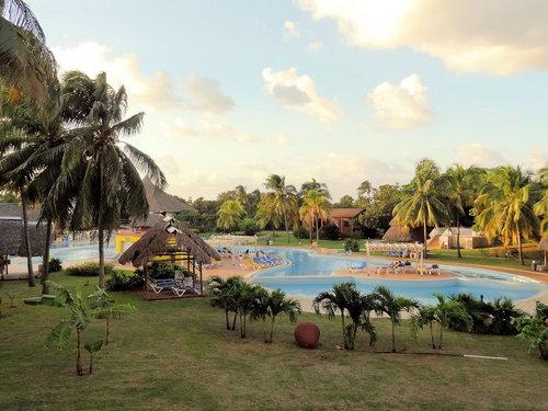 Ort Varadero Lage  erste Strandlage Strand: Sand, Liegen: ohne Gebühr, bei All Inclusive inklusive, Sonnenschirme: ohne Gebühr, bei All Inclusive ...