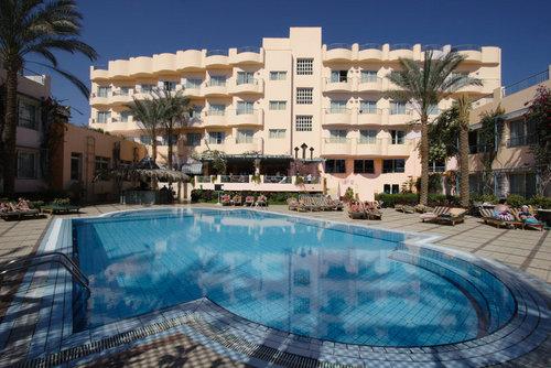 Ort Hurghada Lage  zentral Strand: Sand, Kies, öffentlich mit eigenem Hotelabschnitt  Entfernungen:  Strand ca. 300 m Stadtzentrum/Ortszentrum ...