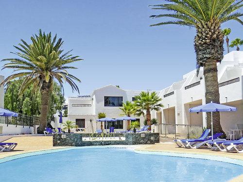 Zentral und dennoch ruhig im beliebten Feriengebiet Puerto del Carmen. Zum langen, flach abfallenden Sandstrand Playa Grande sind es nur ca. 200 ...